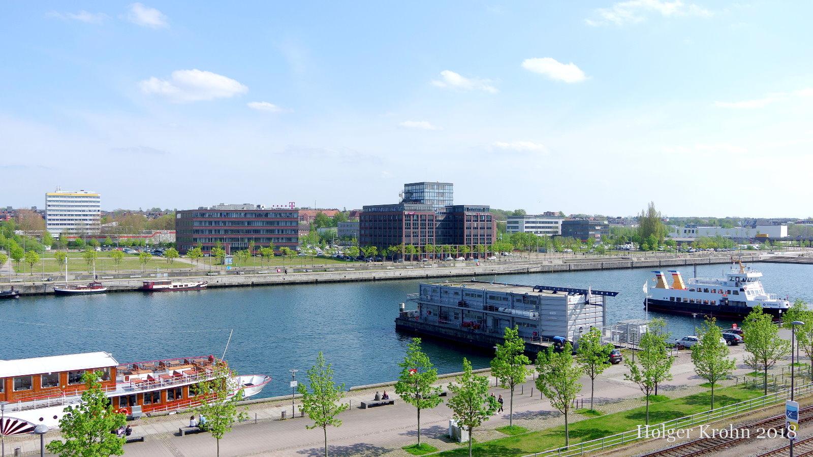 Mädchen aus Kiel (SH, Landeshauptstadt)