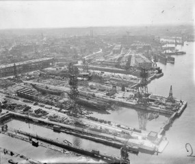 Docks 1945 - II