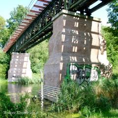 Eisenbahnbrücke - 3585